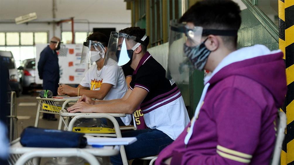 El Gobierno estima que en febrero se podrá comenzar a vacunar al personal docente